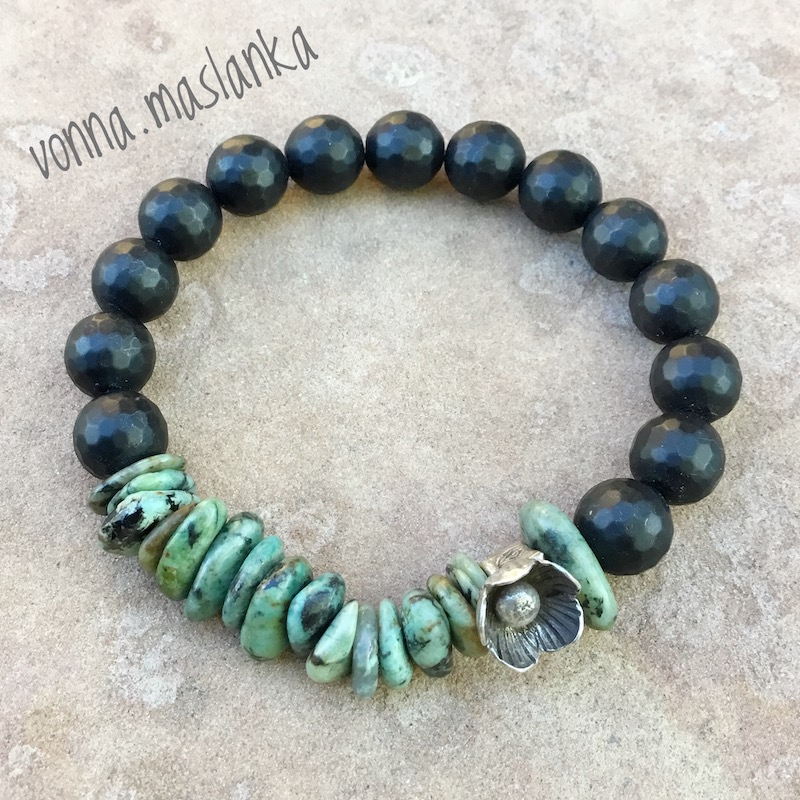 turquoise chip & onyx